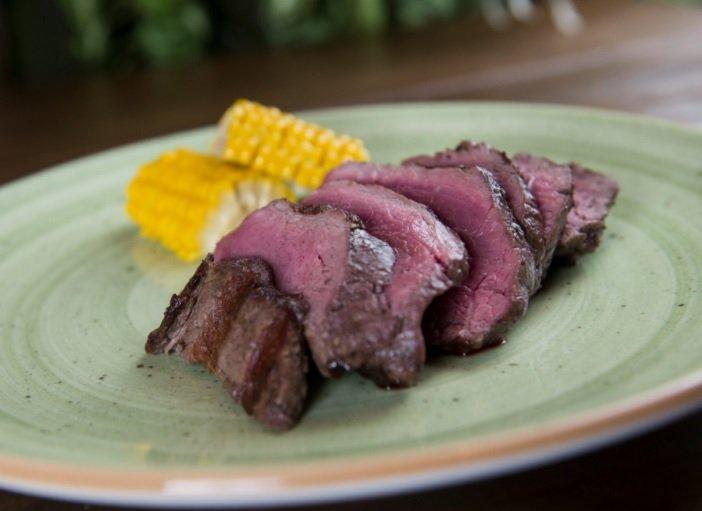 Plato de carne en La Selva steakhouse barcelona