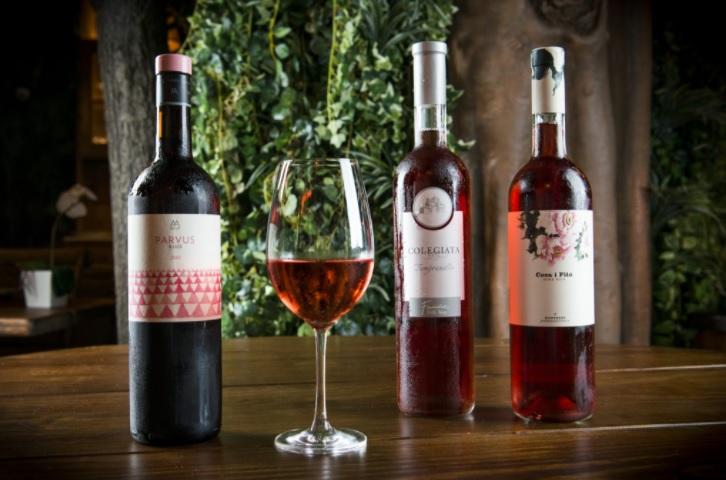 Vino rosado de La Selva Braseria en Barcelona